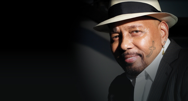 aaron neville soulful christmas concert