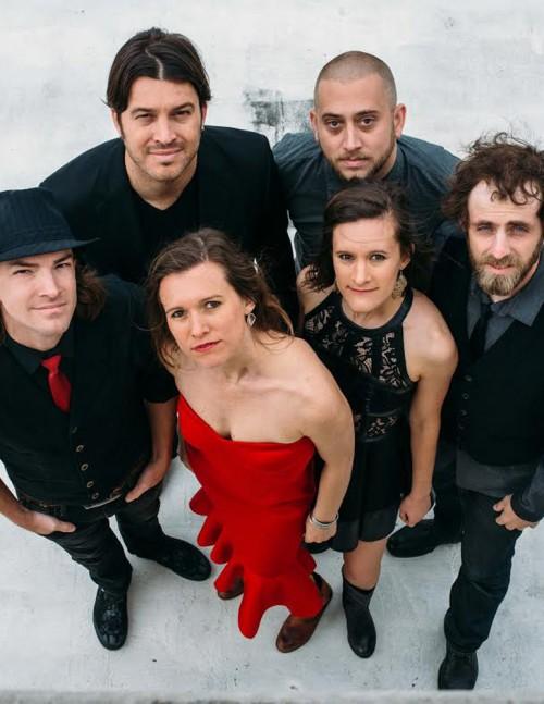 The Lady Crooners: Album Re...