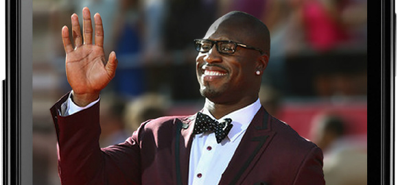 Vernon Davis – Touchdown Maker and Gift Giver