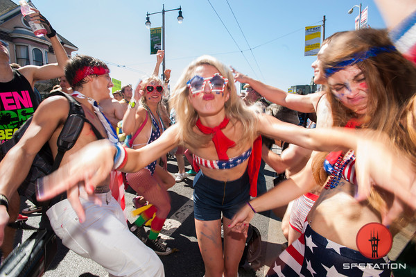 15 Awesome Bay to Breakers Costumes