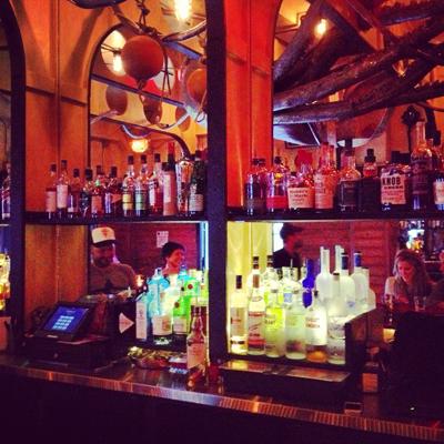 royal-tug-yacht-club-bar