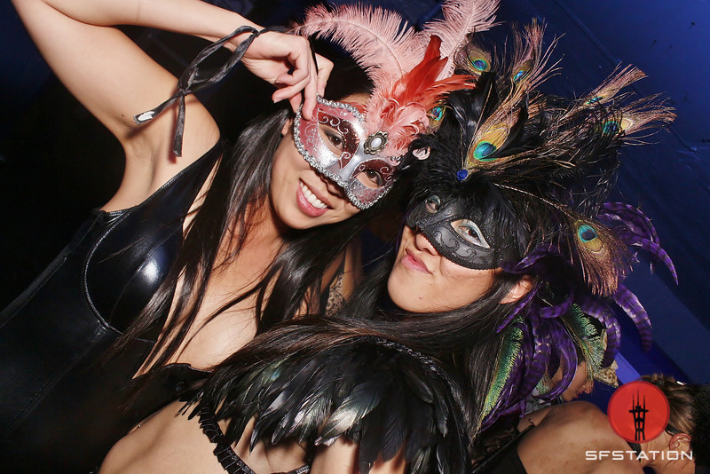 Photos: Sexy Halloween Fun at Masquerotica