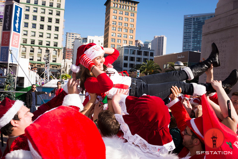 Photos: Wild in the Streets for SantaCon 2013