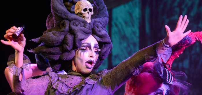 Photos: Flamboyant Costumes and Theatrics From the Edwardian Ball
