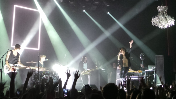 Review: British Rock Band The 1975 Break Out at the Fillmore