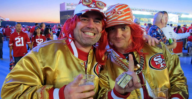 Fan Photos and Notes From the 49ers Season Opener at Levi's Stadium