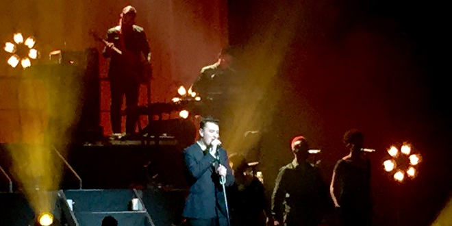 Review: Sam Smith Shines at Oakland's Fox Theater