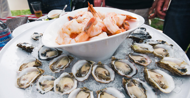 Photos: Oysterfest Stays Warm with Good Eats & Beats