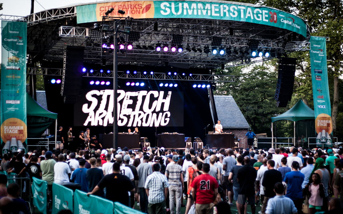 SUMMERSTAGE 8 16 15 SCREEN AND CROWD CHRISTIAN POLLOCK20150817_8031