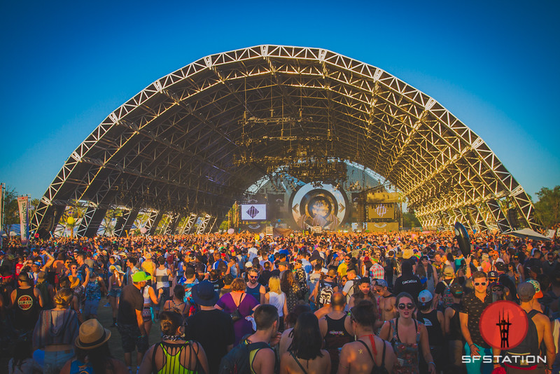 Coachella 2016 Headlined by LCD Soundsystem, Guns N Roses, Calvin Harris