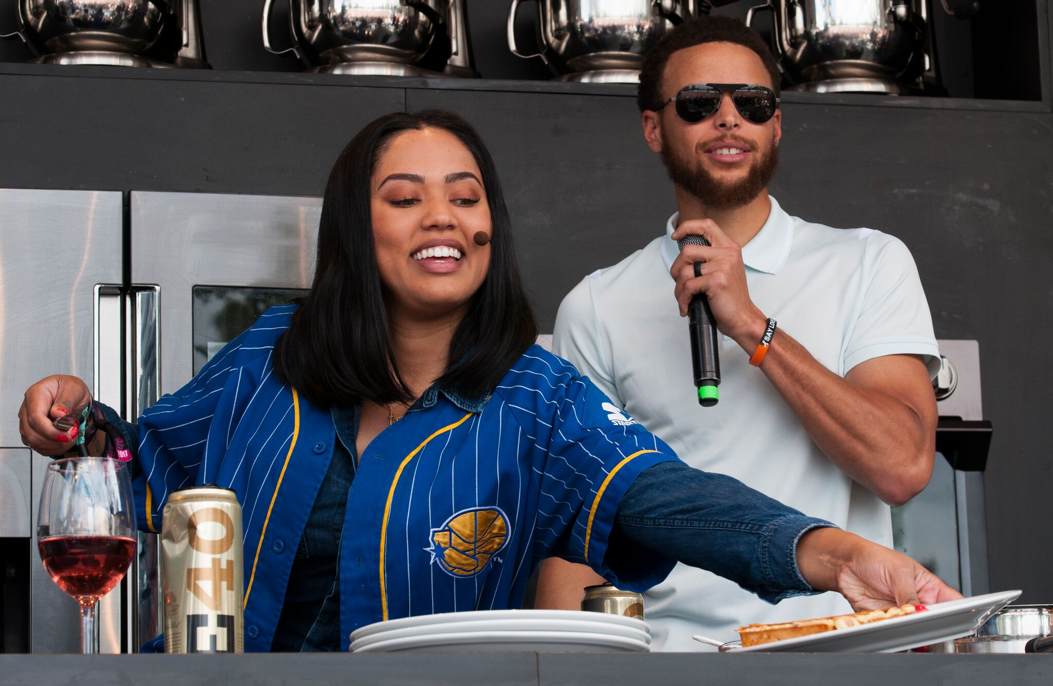 Watch E40, Ayesha and Steph Curry Cooking and Remixing at BottleRock